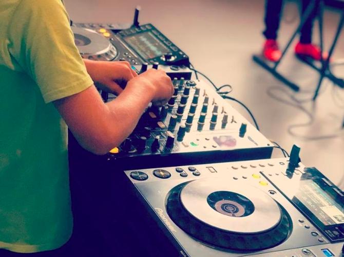 DJ les vanaf 9 jaar